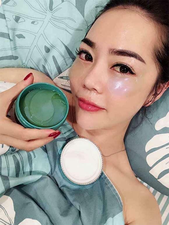 Cung cấp và lưu giữ độ ẩm cho vùng da quanh mắt