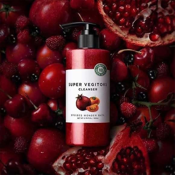 Sữa rửa mặt Bivybes Wonder Bath Super Vegitoks Cleanser Màu Đỏ mang đến làn da mộc sáng mịn hoàn hảo