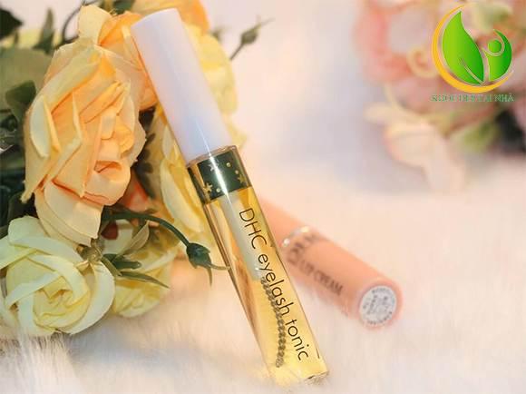 Sử dụng tinh chất dưỡng mi DHC Eyelash Tonic chính hãng để sở hữu làn mi cong vút, quyến rũ nhé