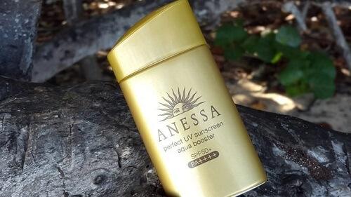 Kem chống nắng Anessa không chỉ chống nắng hoàn hảo mà còn sở hữu mùi hương dịu nhẹ, dễ chịu