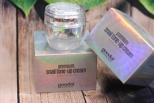 Kem ốc sên dưỡng trắng da Goodal Premium Snail Tone Up Cream cho làn da trắng mịn