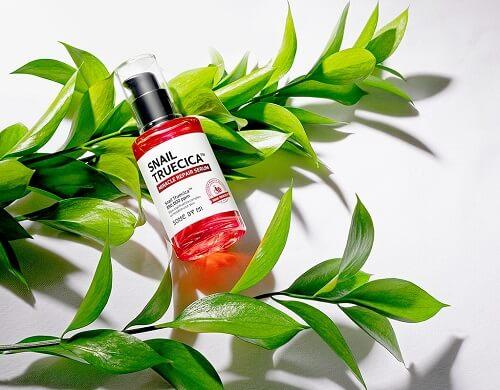 Tinh chất trị sẹo Some By Mi Snail True Cica Miracle Repair Serum được đánh giá cực cao trong việc loại bỏ khuyết điểm trên da
