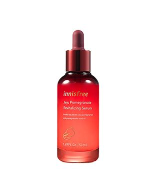 tinh-chat-innisfree-jeju-pomegranate-revitalizing-serum-ngan-chan-da-lao-hoa-som